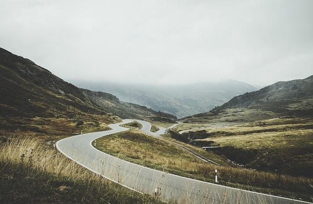roadway-1082071_640