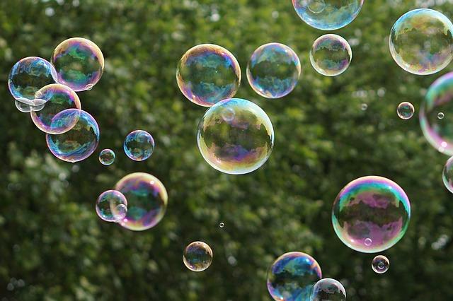soap-bubbles-1451092_640